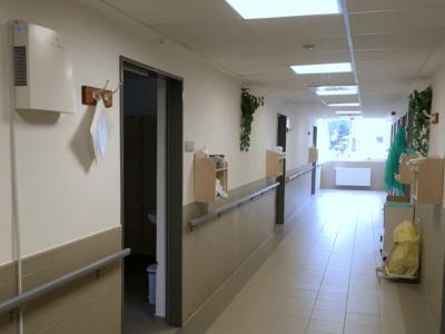 Novaerus plazmatechnológiás légtisztító a miskolci Borsod-Abaúj-Zemplén Megyei Központi Kórház nővérpulti folyosólyán