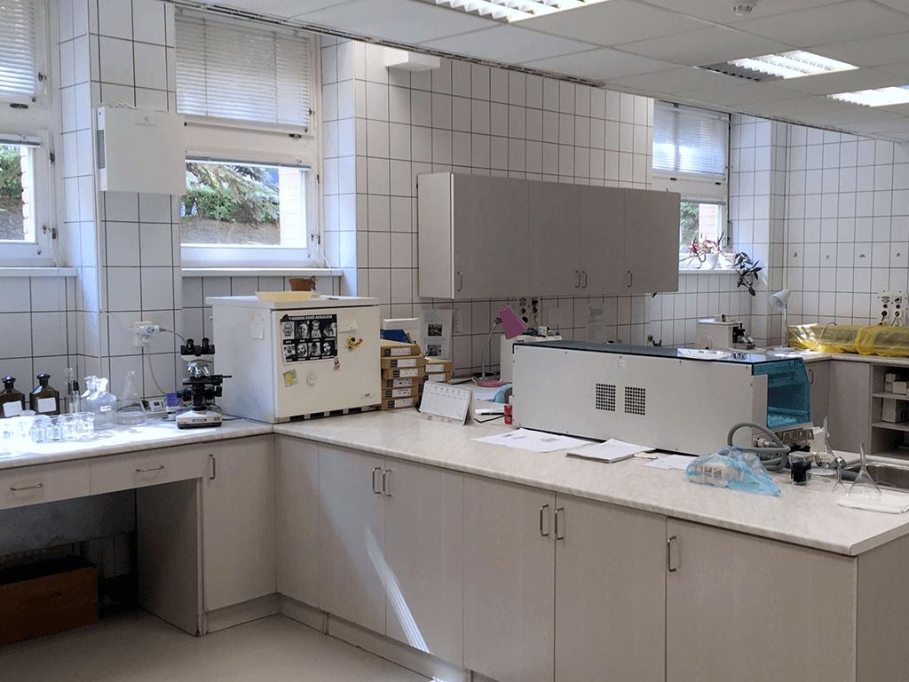 Novaerus plazmatechnológiás légtisztító az ózdi kórház patológiai laborjában